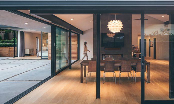 cropped-indoor-outdoor-1.jpg